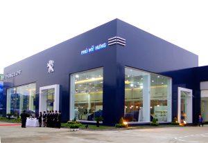 Thi công sàn gỗ hệ thống showroom Trường Hải Thaco